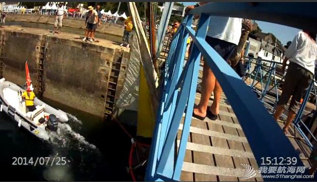 救生衣,帆船,记录,拍摄,影片 帆船航行经过桥底时需注意桅杆与桥的高度 11.png