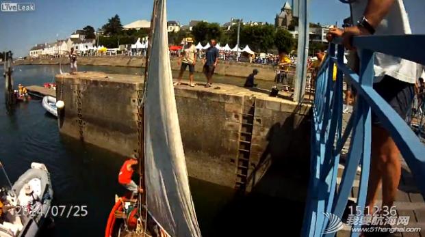 救生衣,帆船,记录,拍摄,影片 帆船航行经过桥底时需注意桅杆与桥的高度 9.png