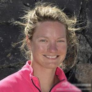 沃尔沃,亲姐妹,瑞士 一对来自瑞士的亲姐妹双双入选了本届沃尔沃环球帆船赛的爱生雅队。 2.png