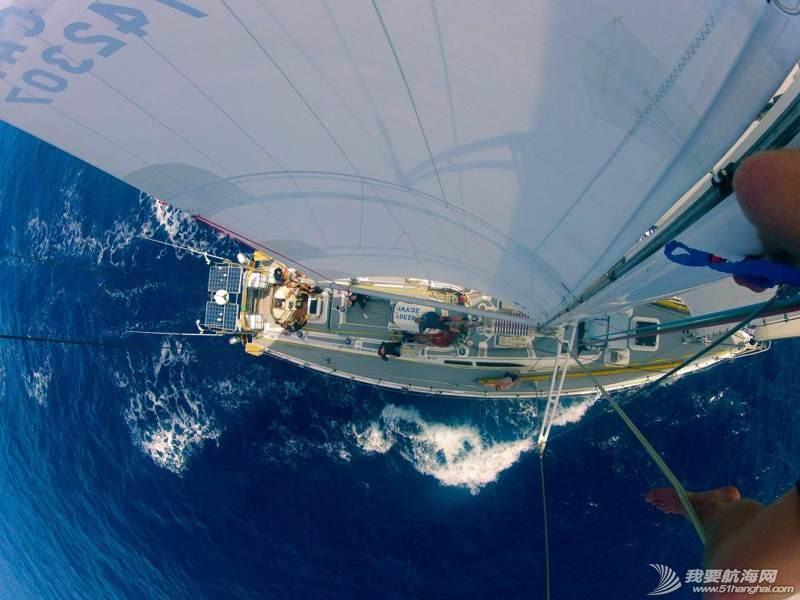 帆船桅杆上的视野 091810xbq7nn4uda7u449q.jpg