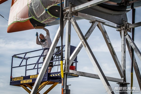沃尔沃环球帆船赛,倒计时,七支船队,船坞,修整 沃尔沃环球帆船赛倒计时七支船队进入船坞做最后修整 3.jpg