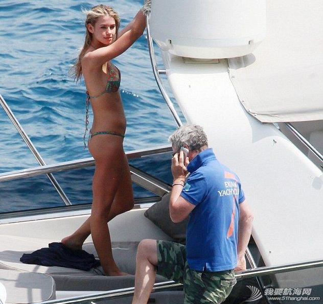 """比基尼,意大利,花花公子,埃尔文,美女 """"花花公子""""埃尔文开游艇派对 2.png"""