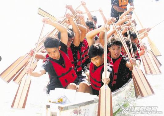 新加坡,水上运动,传统文化,汨罗江,中学生 新加坡水上活动乐趣多 青少年学生爱上划龙舟 4.png