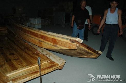 斜方肌,厦门,背心,普通话,闽南话 操舟记16 ---郑师傅提前一天完工,自己押车把魏军船长订制的两只平底小舢板运了过来。 4.jpg
