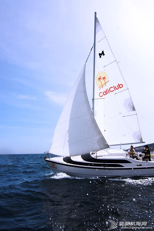 美国,便宜,帆船,进口 低价出售美国原装全新机帆两用帆船美贵格MacGregor26 2.jpg