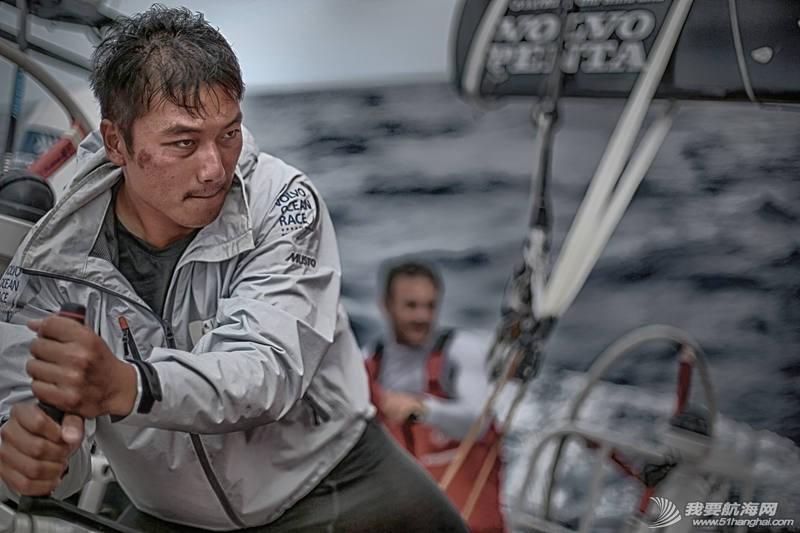 沃尔沃 2014-15沃尔沃环球帆船赛第一赛段第一周 均势力敌,绝无松懈