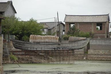 帆船,联想,天下,酒店,洱海 滇船记 8---了解到,距离下榻客栈不远的一家酒店把一艘老船改成酒吧. 4.jpg