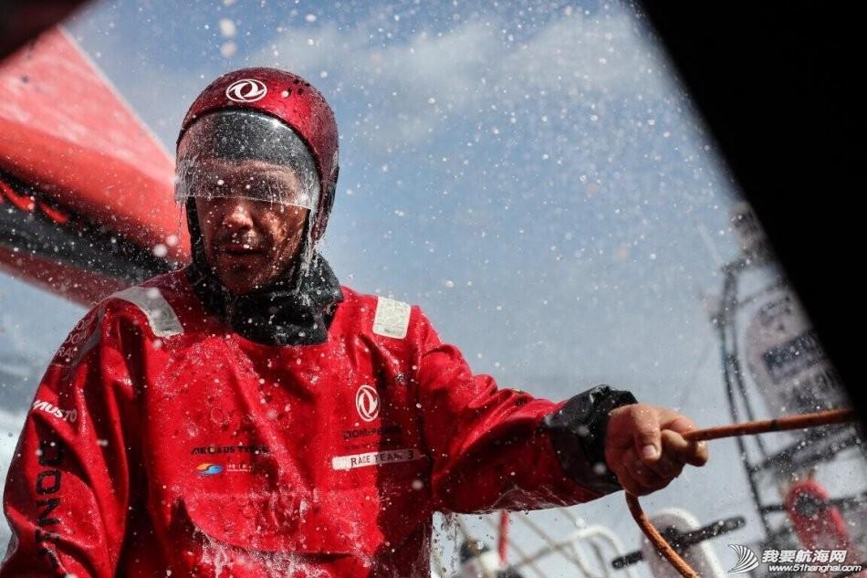 装备,中国船员,阿布扎比,沃尔沃,费尔南多 沃尔沃帆船赛上东风队南半球急速追赶第一名,中国杯帆船赛上东风队占据优势性开局。 004g7yjPgy6N73KoxpCb8.jpg