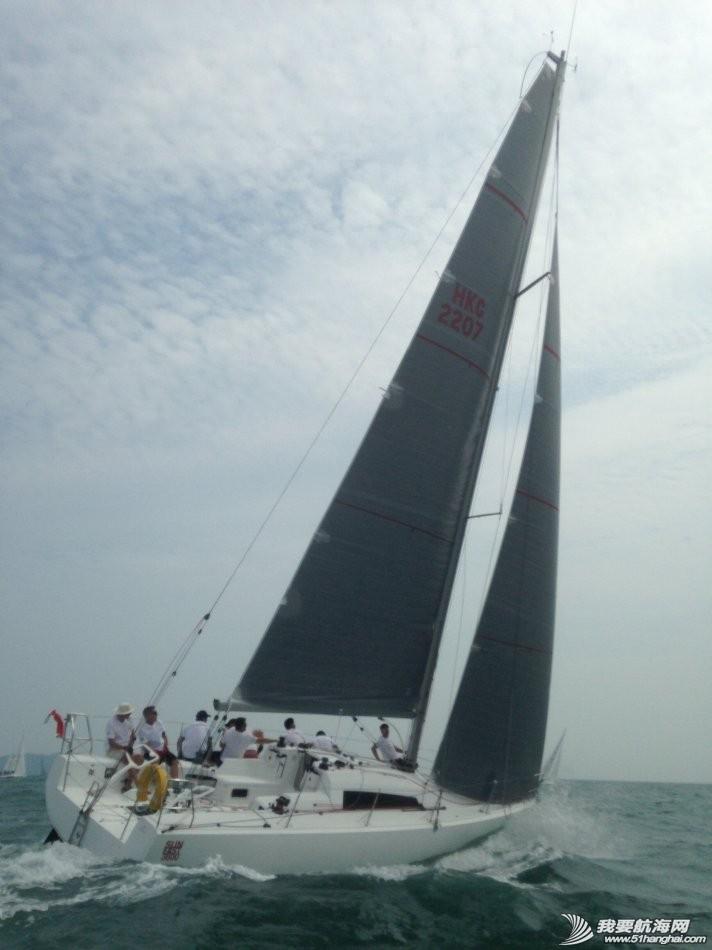 装备,中国船员,阿布扎比,沃尔沃,费尔南多 沃尔沃帆船赛上东风队南半球急速追赶第一名,中国杯帆船赛上东风队占据优势性开局。 004g7yjPgy6N73PGgCi46.jpg