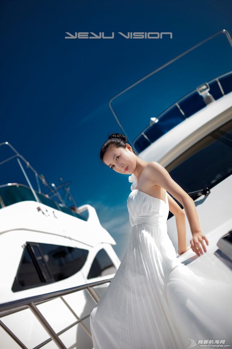 威海 船上的妹纸最性感-威海游艇展模特 3.jpg