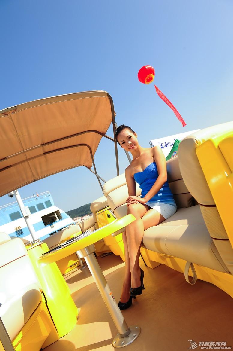 威海 船上的妹纸最性感-威海游艇展模特 4.jpg