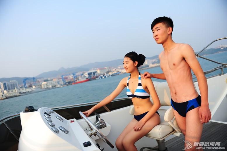 威海 船上的妹纸最性感-威海游艇展模特 7.jpg
