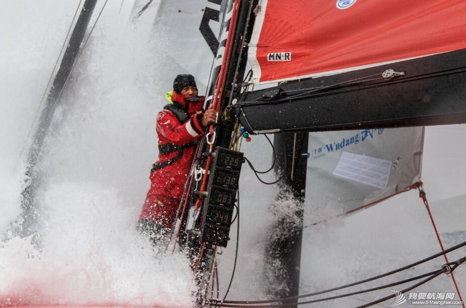 中国船员,沃尔沃,经典语录,小伙子,游戏 视频:比赛前觉得沃尔沃环球帆船赛是梦想,真正开始比赛了发觉又是噩梦。 2.jpg