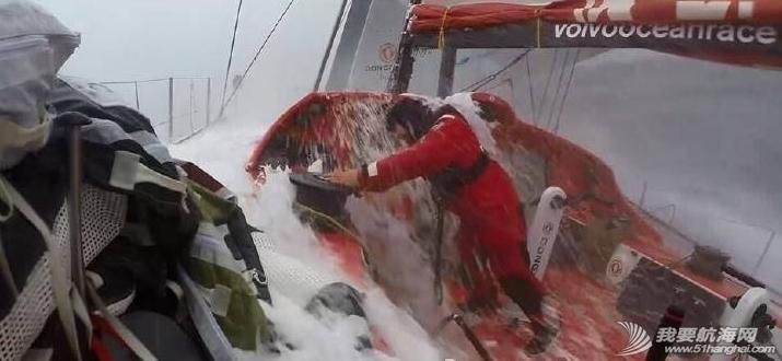 北京时间,西班牙,阿布扎比,人员伤亡,事故发生 视频:命运多舛的东风队再次遭遇重创,右后侧甲板严重受损,所幸无人员伤亡。 2.png