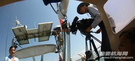 新闻联播,达尔文,摄像机,两口子,英语 11月8日,达尔文的朋友们,今晚7点ABC的新闻节目有航海家庭的报道。 1.png