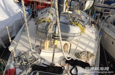 这几天我们把桅杆上的绳索都卸下来,给绳索一个泡泡浴。 4.png