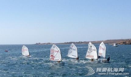 爱琴海,小朋友,帆船,海边,美的 这个季节爱琴海海域刮季风,我们的船几乎没有一刻停止过摇晃。 5.png