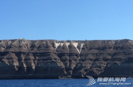 火山爆发,火山灰,火山口,火山岩,启航 9月3日,一早启航,前往著名的圣托里尼。 8.png