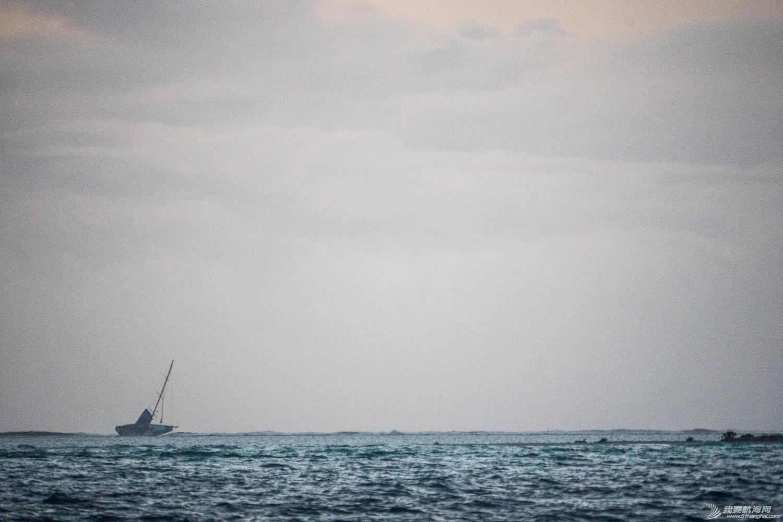 北京时间,毛里求斯,沃尔沃,海岸警卫队,事故发生 维斯塔斯风力队遭遇触礁 全体船员平安获救