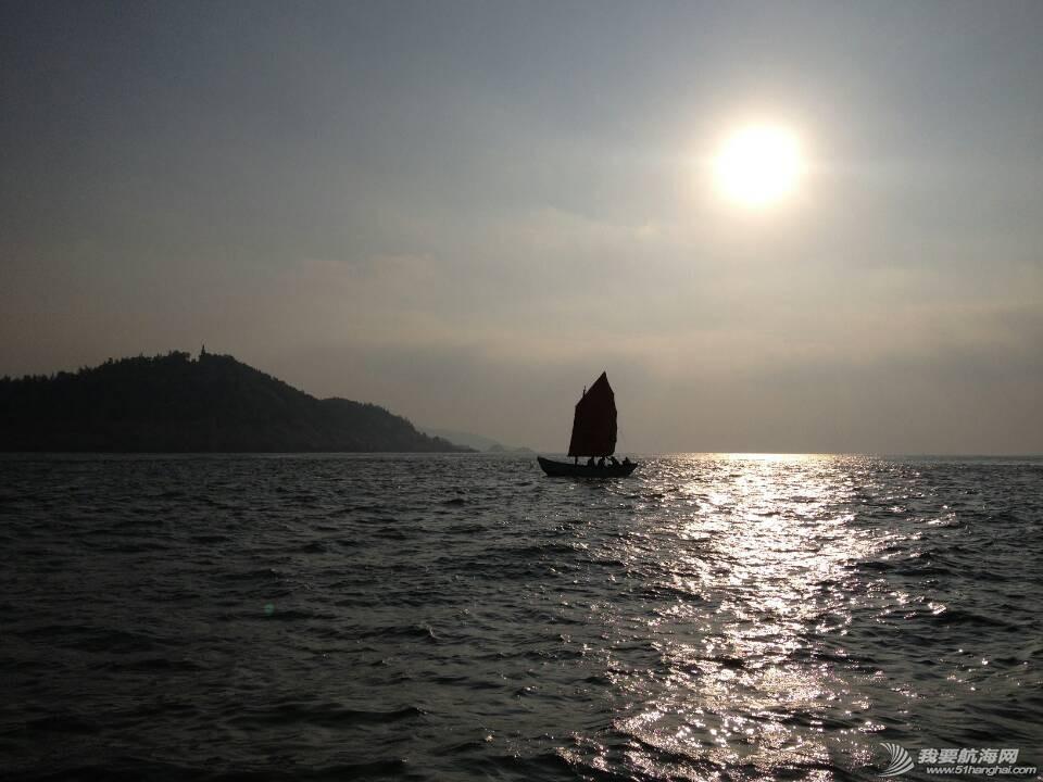 南台II号在东山第三次航行,团队从厦门沙坡尾请来老渔民阮亚婴教习操驾。 7.jpg