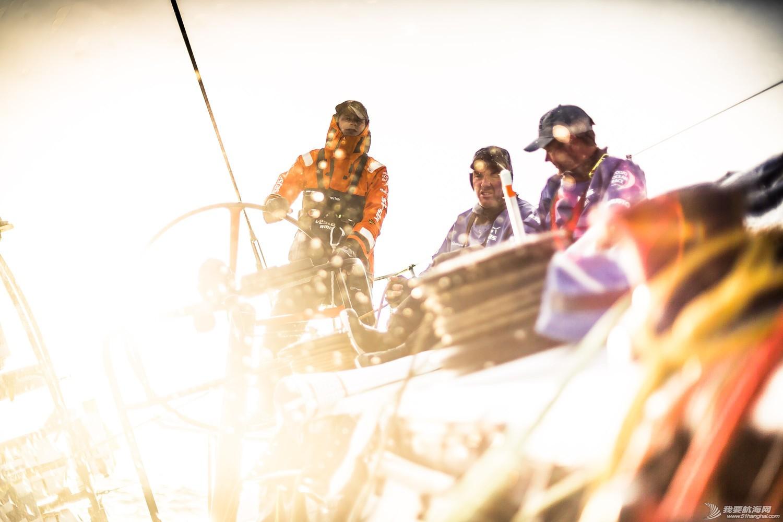 沃尔沃,执行官,克里斯,克努特,尼克尔 维斯塔斯风力队触礁后续:展开帆船抢救工作