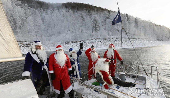 """圣诞老人,俄罗斯,俱乐部,克拉斯,摄氏度 俄""""圣诞老人""""零下18度乘帆船出游 3.png"""