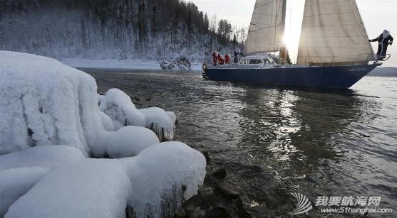 """圣诞老人,俄罗斯,俱乐部,克拉斯,摄氏度 俄""""圣诞老人""""零下18度乘帆船出游 2.png"""
