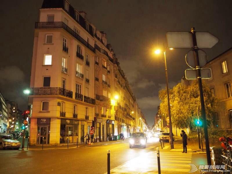 来到了梦想之城巴黎,这里对我们来说太陌生,明天充满未知。 202038os3ibksic0qc110q.jpg