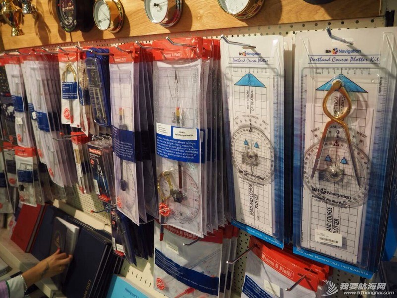 航海图书店有超齐全的各种航海培训资料、海图、导航测量工具等等。 211530lsmm12bqsr9msm9u.jpg