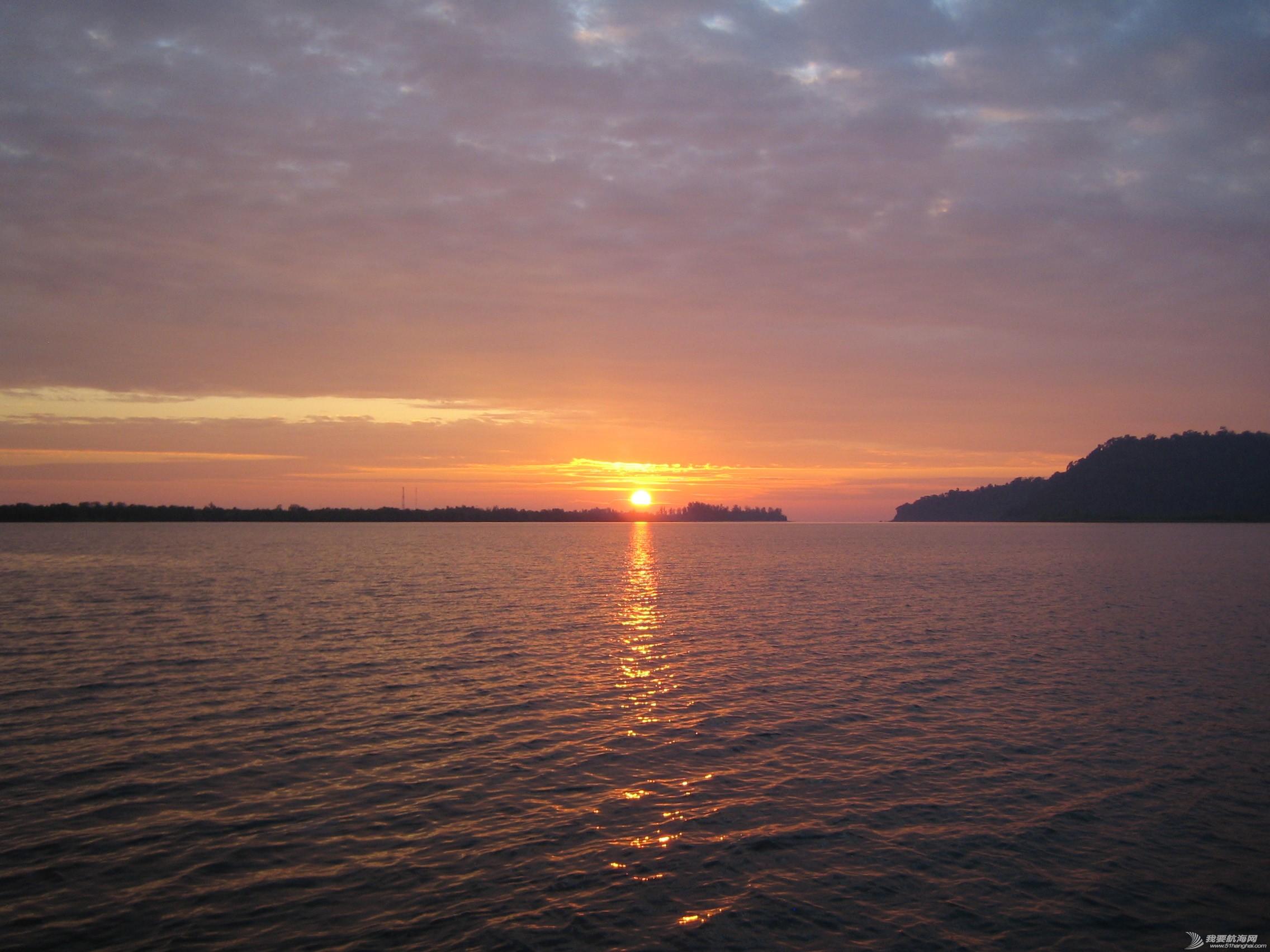 悠哉悠哉,塑料盆,橘黄色,泰国,米兰 航海在泰国西北海岸险些搁浅 IMG_0169.jpg