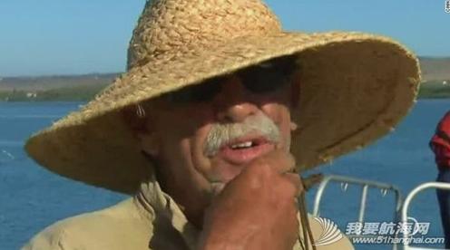 美国密苏里老汉海上漂流12天生还仅靠捕鱼果腹. 22.png