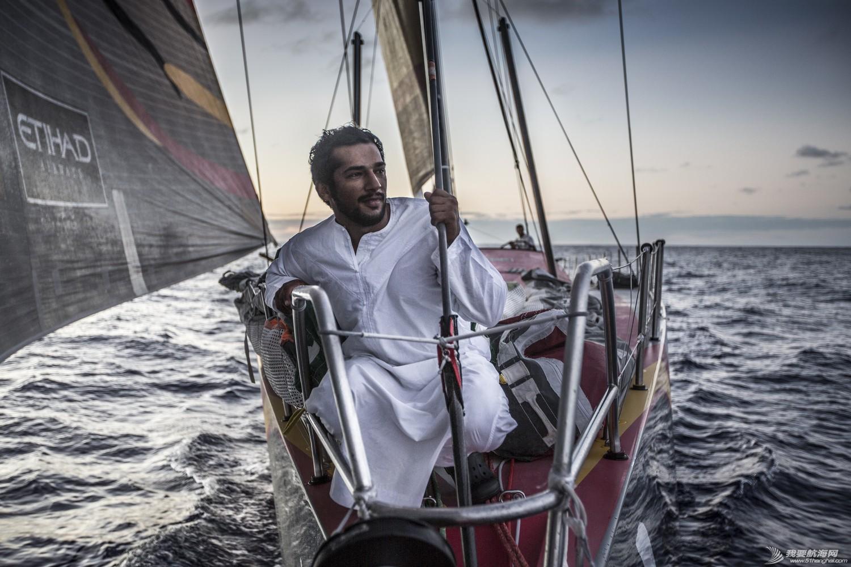 """阿布扎比,沃尔沃,秘密武器,运输船,阿曼 沃尔沃环球帆船赛 探索神秘阿曼湾 阿布扎比队启动""""秘密武器"""""""
