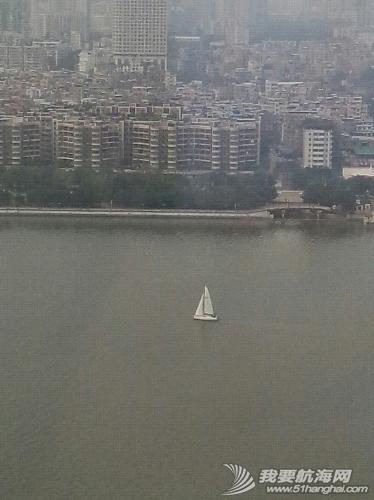 连续两天在珠江见到帆船