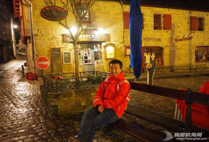 埃菲尔铁塔,法国街头,突如其来,暴风雨,大使馆 只为一个梦想-徐京坤携爱妻阿九踏上法国的梦想之路,购买跨洋赛船mini top tip 6.5 76.png