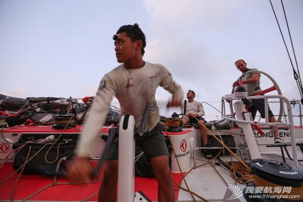 北京时间,阿布扎比,沃尔沃,比赛结果,安德鲁 最后1海里的竞争:布鲁内尔队获第二赛段冠军 东风队微小差距列第二