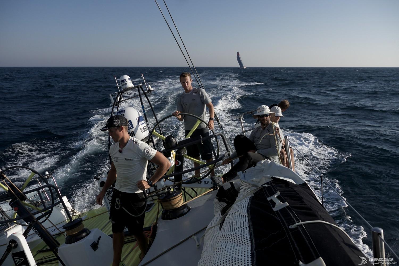 积分榜,北京时间,沃尔沃,阿布扎比,比赛结果 第二赛段东风队十几分钟之差屈居第二,布鲁内尔队获第一 沃尔沃环球帆船赛前线报道 2.jpg