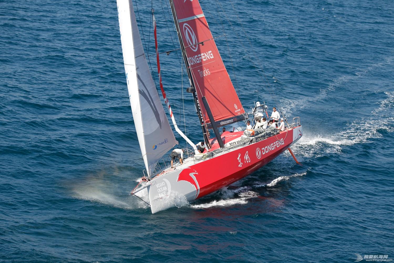积分榜,北京时间,沃尔沃,阿布扎比,比赛结果 第二赛段东风队十几分钟之差屈居第二,布鲁内尔队获第一 沃尔沃环球帆船赛前线报道 4.jpg