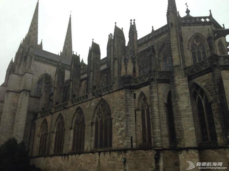 坎佩尓古城这里有森林,有城中河、有古堡、有大教堂,这就是我所喜欢的老欧洲。 112154aerymr8nx1fftxmn.jpg