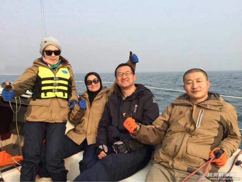 青岛新年帆赛实录 070737ky5v9ad9ett6meal.jpg