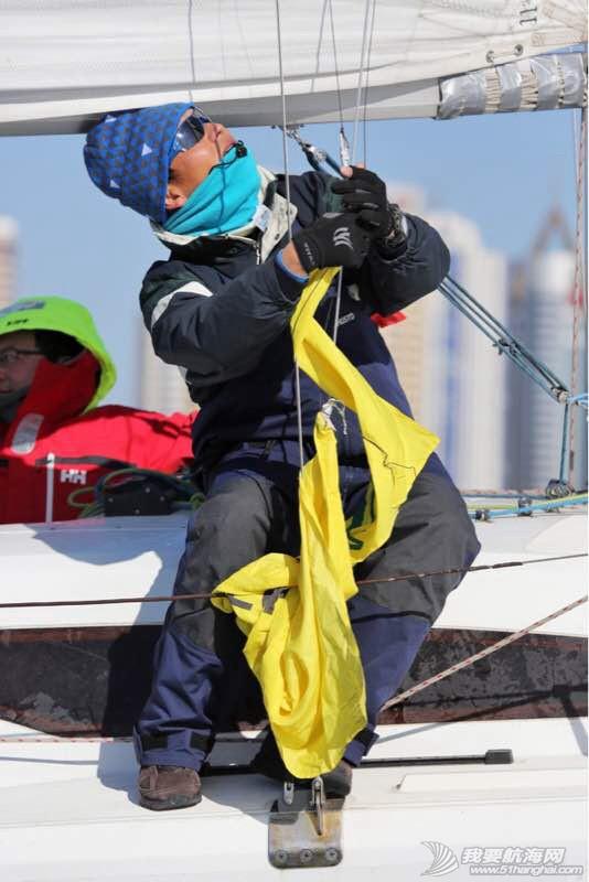 风雪帆赛视频:中国最艰苦的一场帆赛 102627bk0hm099s2n9yyu9.jpg