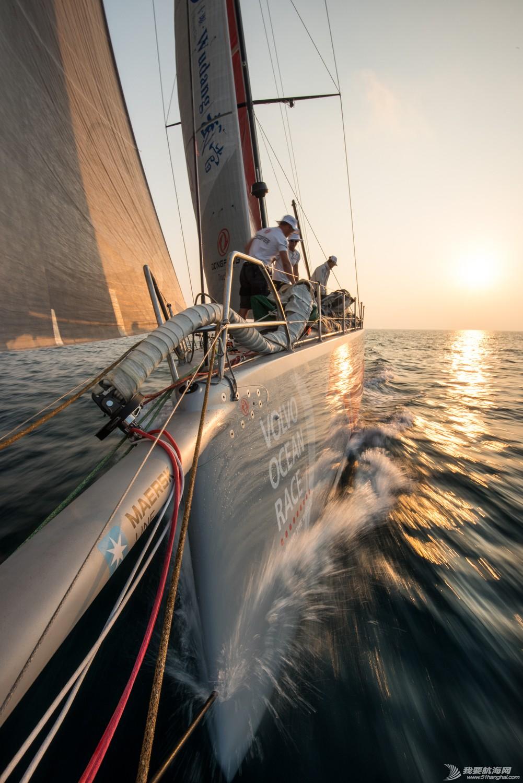 沃尔沃,集装箱,阿曼,帆船,健康 东风队大幅领先 遭遇渔网有惊无险