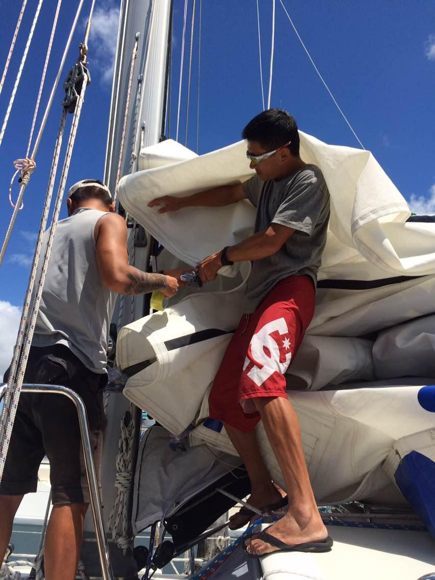 新西兰,发电机,发动机,帆船,机油 2015年1月7日,抵达了新西兰后,第二梦想号又要开始例行的帆船保养了。 984304410.jpg