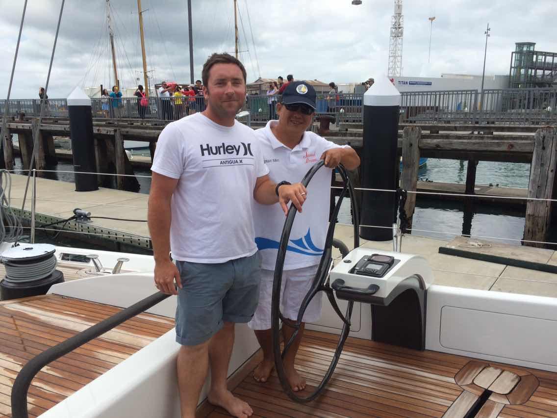 新西兰,合恩角,奥克兰,小两口,美国 1月8日,刚耀带高民船长去找Salperton号船长,他们马上就要出发过合恩角. 2059394674.jpg