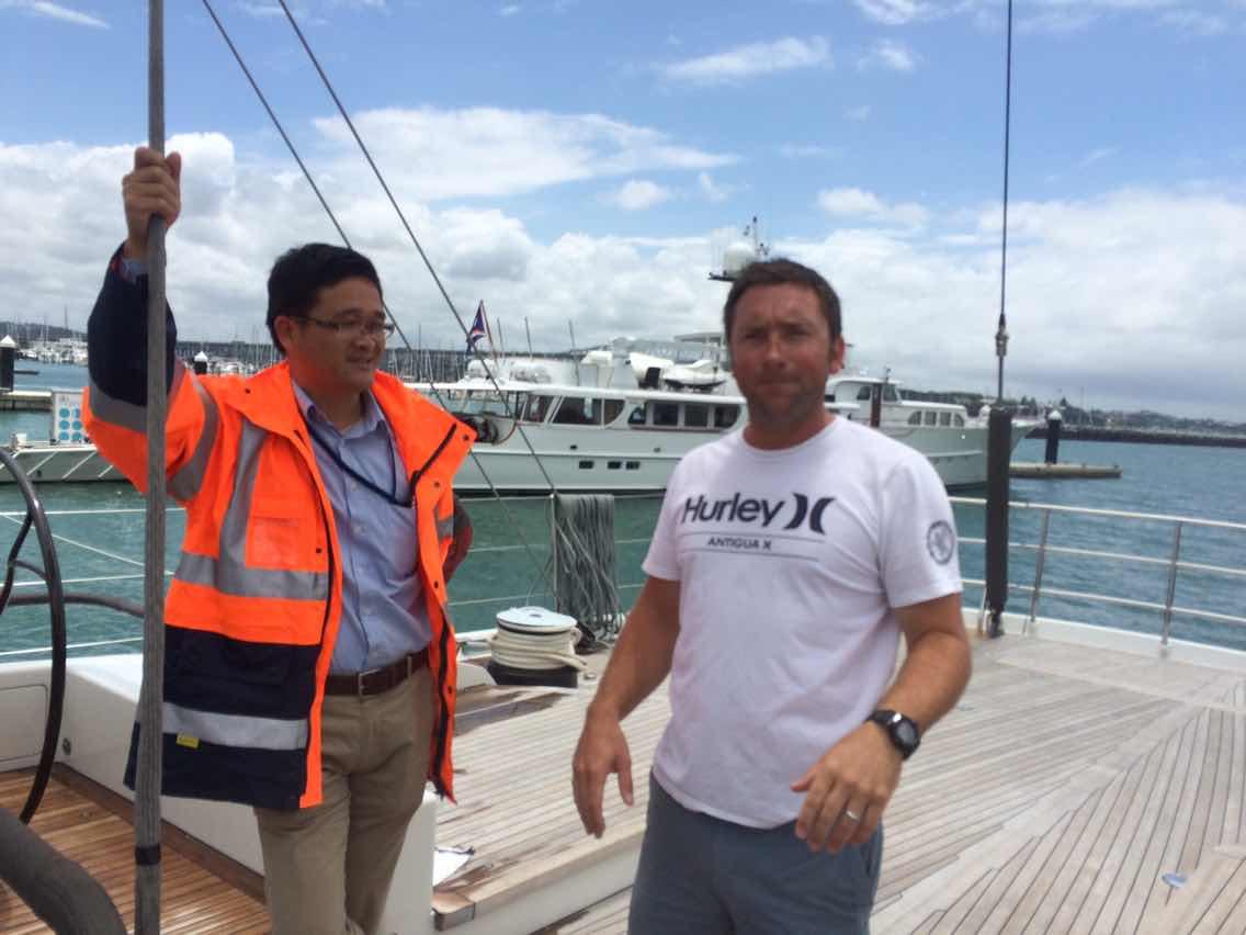 新西兰,合恩角,奥克兰,小两口,美国 1月8日,刚耀带高民船长去找Salperton号船长,他们马上就要出发过合恩角. 1800326734.jpg