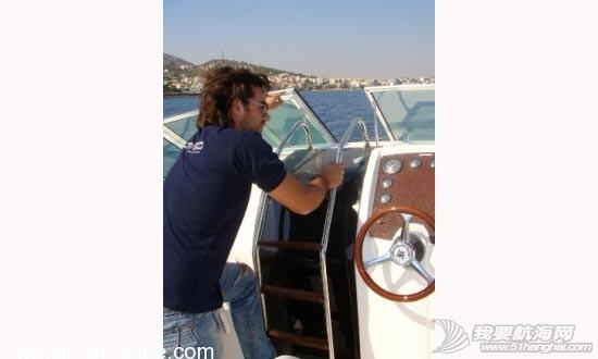 白菜价,朋友 朋友着急用钱急售一条7.2米小游艇 a2.jpg