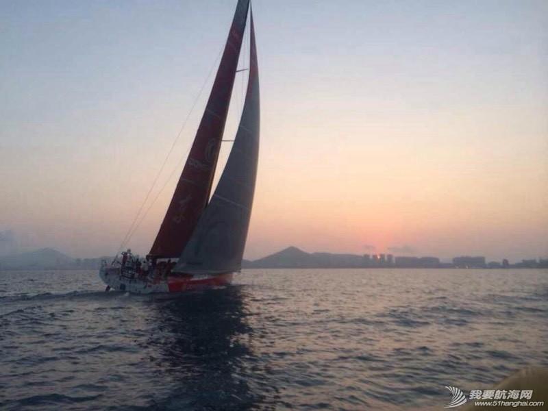 沃尔沃环球帆船赛东风队回家,第一个冲线! 091342aazj6ldssg7blbo9.jpg