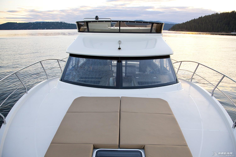 美国,进口,美好时光,发动机,卫生间 亚洲首发,仅此一艘,美国进口豪华游艇卡福CARVER 40,现船销售。 Carver40_Bow5.jpg
