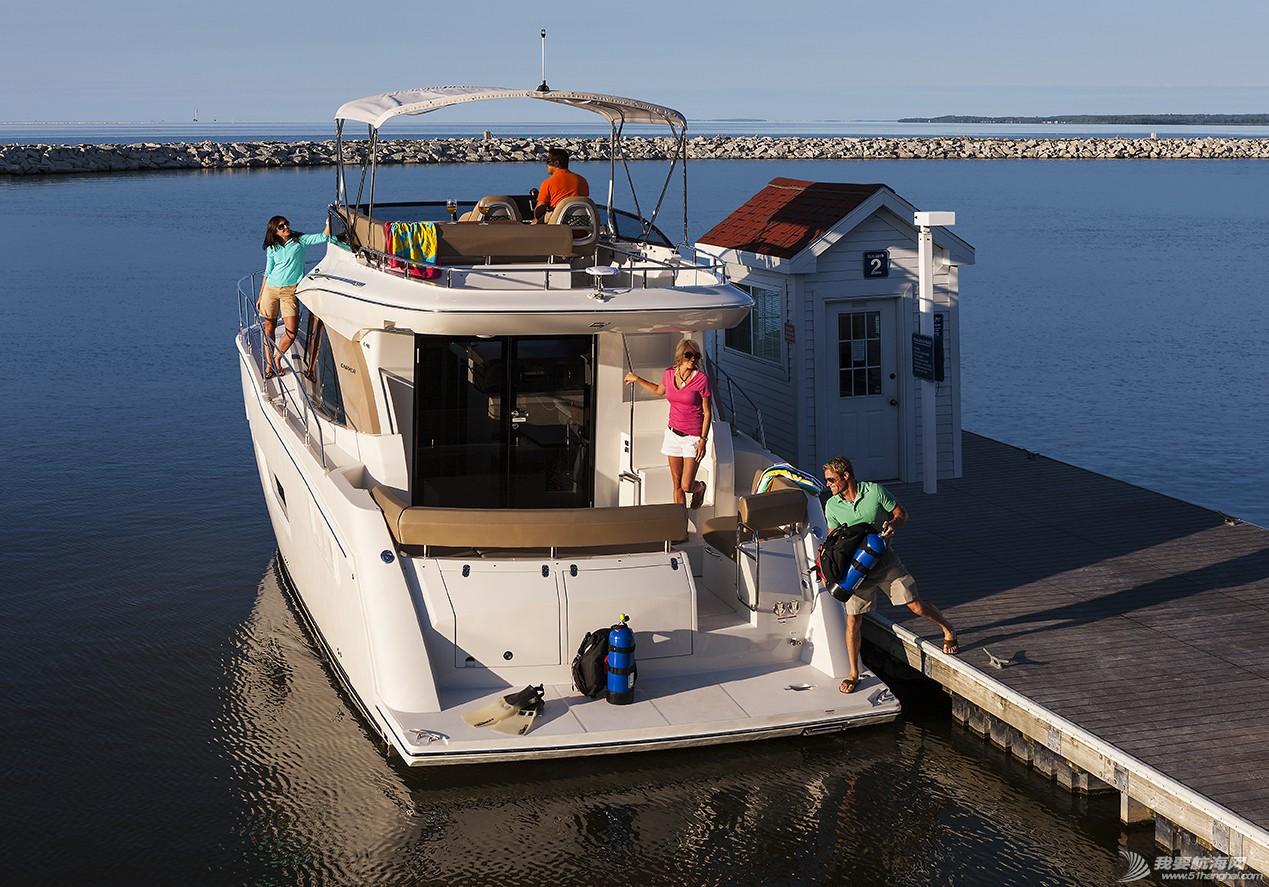 美国,进口,美好时光,发动机,卫生间 亚洲首发,仅此一艘,美国进口豪华游艇卡福CARVER 40,现船销售。 Carver40_Docking1.jpg