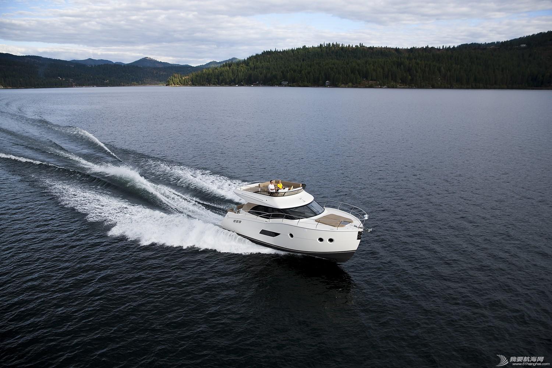 美国,进口,美好时光,发动机,卫生间 亚洲首发,仅此一艘,美国进口豪华游艇卡福CARVER 40,现船销售。 Carver40_Running33.jpg