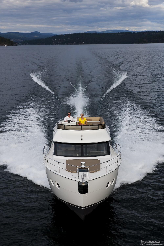 美国,进口,美好时光,发动机,卫生间 亚洲首发,仅此一艘,美国进口豪华游艇卡福CARVER 40,现船销售。 Carver40_Running43.jpg